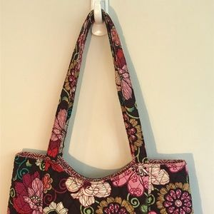 99d61d3f36 Vera Bradley Bags - Clearance! Vera Bradley Curvy Tote In Mod Floral